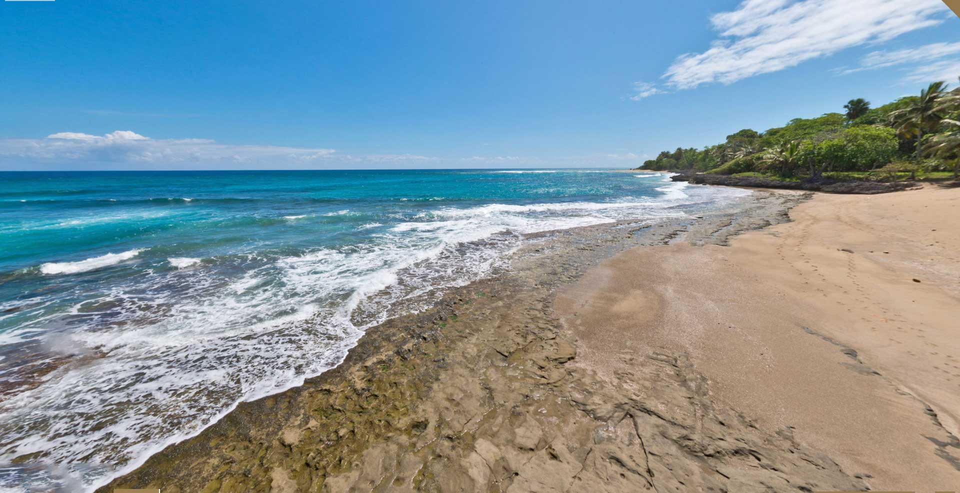 Ocean Front Vacation Rental Villa with beautiful private Beach